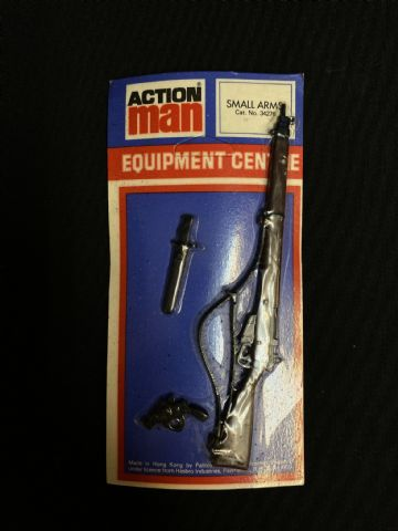 VINTAGE ACTION MAN - Equipment Centre - Lee Enfield Rifle etc - Carded